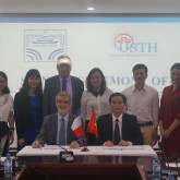 Signing Ceremony Of Cooperation Agreement with Nguyen Trai High School For Gifted Students
