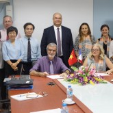 USTH signs MoU with Claude Bernard University Lyon 1